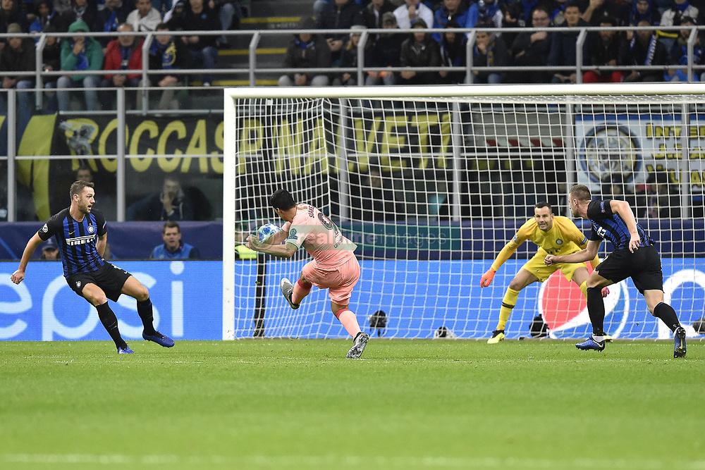 صور مباراة : إنتر ميلان - برشلونة 1-1 ( 06-11-2018 )  20181106-zaa-a181-396