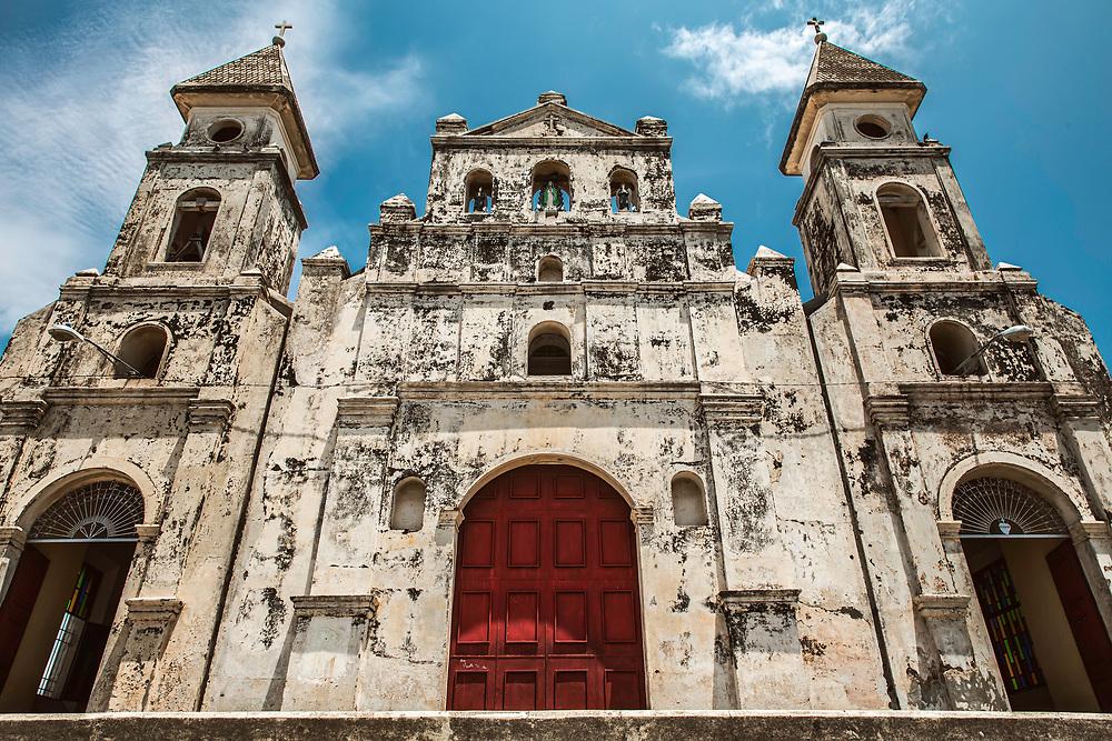 Historic church in center of Granada, Nicaragua. Copyright 2017 Reid McNally.