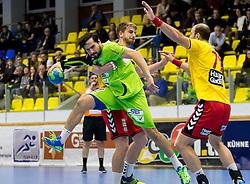 23.10.2016, BSFZ Suedstadt, Maria Enzersdorf, AUT, HLA, SG INSIGNIS Handball WESTWIEN vs Moser Medical UHK Krems, Grunddurchgang, 9. Runde, im Bild Fabian Posch (Krems), Erwin Feuchtmann Perez (WestWien), Vlatko Mitkov (Krems)// during Handball League Austria, 9 th round match between SG INSIGNIS Handball WESTWIEN and Moser Medical UHK Krems at the BSFZ Suedstadt, Maria Enzersdorf, Austria on 2016/10/23, EXPA Pictures © 2016, PhotoCredit: EXPA/ Sebastian Pucher