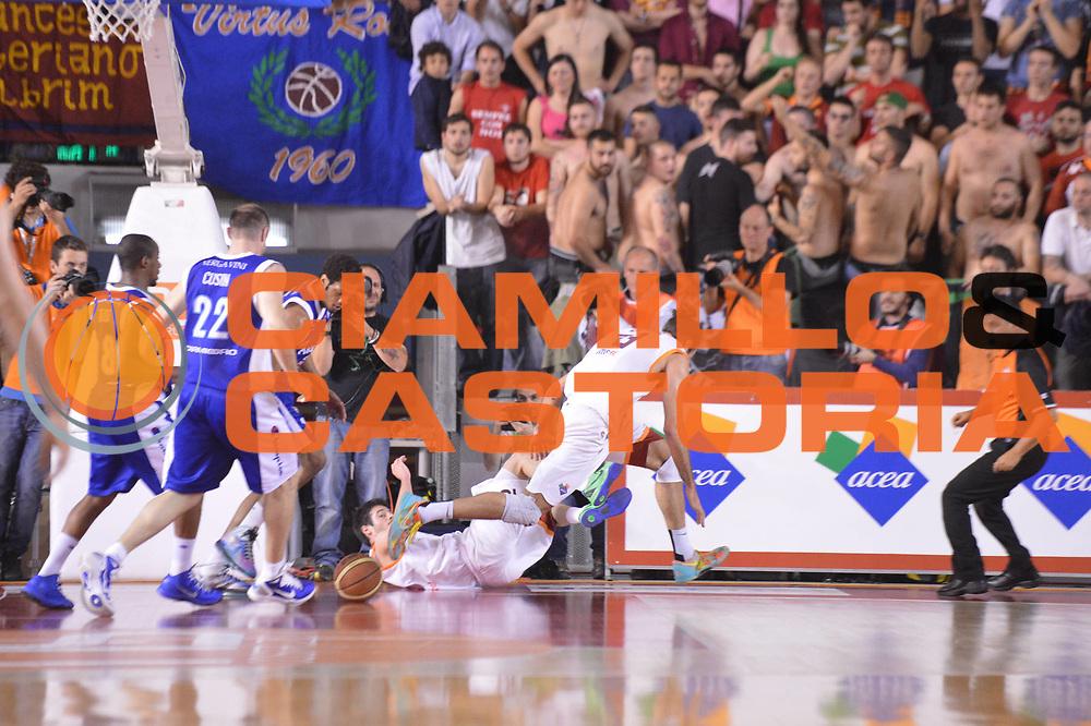 DESCRIZIONE : Roma Lega A 2012-2013 Acea Roma Lenovo Cantu playoff semifinale gara 7<br /> GIOCATORE : Luigi Datome<br /> CATEGORIA : Equilibrio<br /> SQUADRA : Acea Roma<br /> EVENTO : Campionato Lega A 2012-2013 playoff semifinale gara 7<br /> GARA : Acea Roma Lenovo Cantu<br /> DATA : 06/06/2013<br /> SPORT : Pallacanestro <br /> AUTORE : Agenzia Ciamillo-Castoria/GiulioCiamillo<br /> Galleria : Lega Basket A 2012-2013  <br /> Fotonotizia : Roma Lega A 2012-2013 Acea Roma Lenovo Cantu playoff semifinale gara 7<br /> Predefinita :