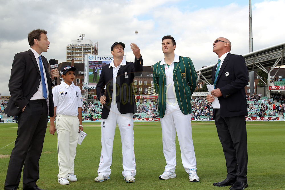 © Andrew Fosker / Seconds Left Images 2012 - England's Andrew Strauss (Captain 3rd Left) makes & wins  the coin toss to start this test series with South Africa's Graeme Smith (captain - 2nd rt)  England v South Africa - 1st Investec Test Match -  Day 1 - The Oval  - London - 19/07/2012