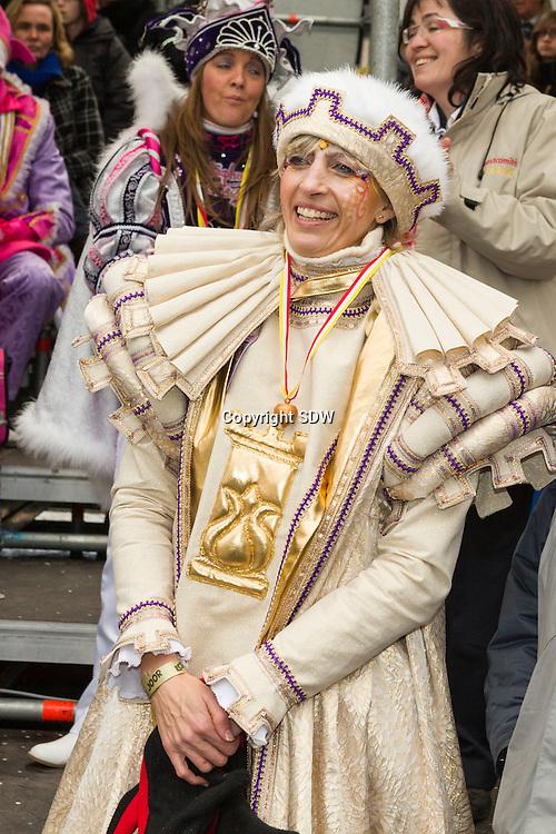 het jaarlijkse carnaval te Aalst.Ilse Uyttersprot (CD&V), de burgemeester van Aalst.