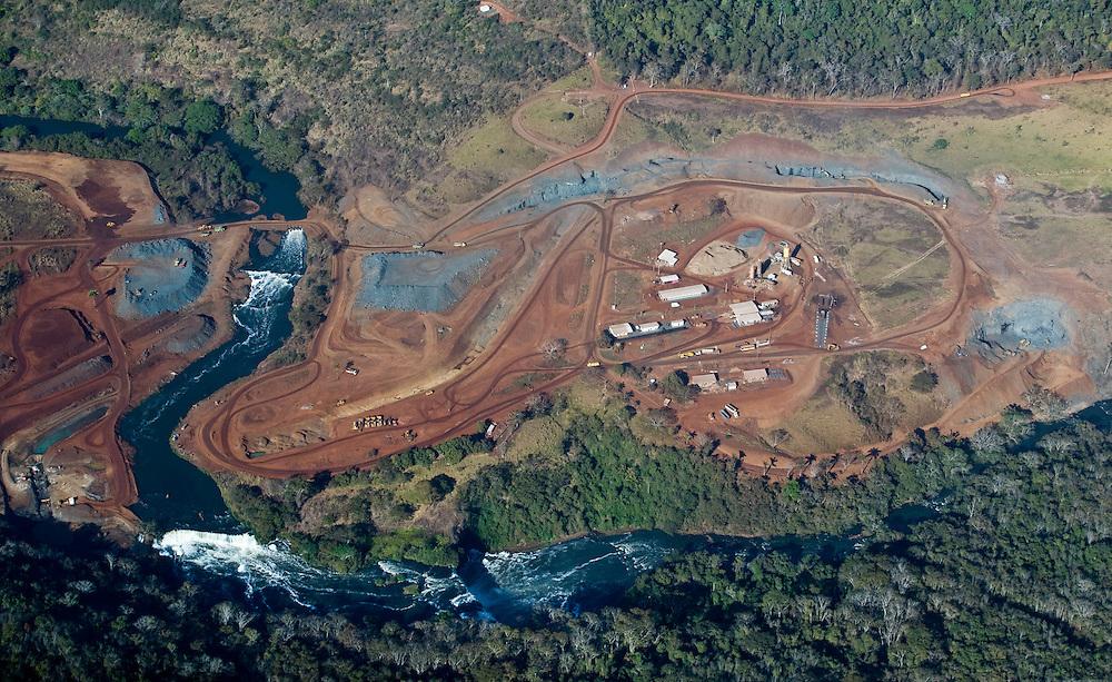 Uberlandia_MG, Brasil...Obras da construcao da usina  hidroeletrica Capim Branco no Rio Araguari...The construction of the hydroelectric Capim Branco in the Araguari river...Foto: BRUNO MAGALHAES / NITRO