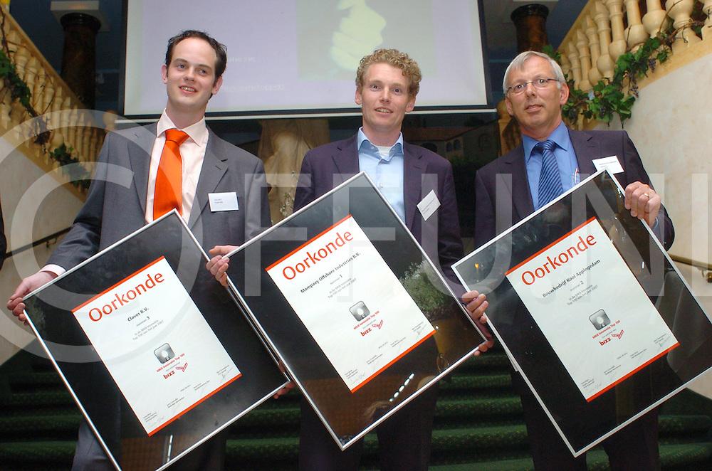 fotografie frank uijlenbroek©2006frank uijlenbroek..070417  zwollen ed..Opdracht.: 168004..Blad: Bizz Marketing..Uitreiking MKB Innovatieprijs..foto : nummers  1,2, en 3