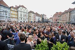 28.06.2015, Innenstadt, Graz, AUT, Trauermarsch nach Amokfahrt in Graz, In Graz herrschen Bestürzung und Tauer nach der Amokfahrt eines 26 jährigen. 3 Menschen wurden getötet und 34 Personen verletzt. 2 Personen schweben immer noch in Lebensgefahr, im Bild: trauernde Besucher // during the funeral march in the inner city of Graz after the amok drive. 3 people were killed and 34 people injured. 2 people still at risk of dying, in Graz, Austria on 2015/06/28, EXPA Pictures © 2015, PhotoCredit: EXPA/ Erwin Scheriau