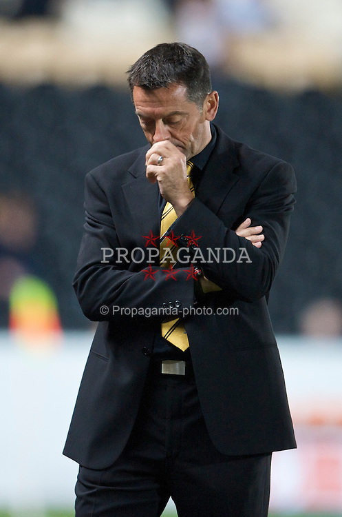 HULL, ENGLAND - Wednesday, September 23, 2009: Hull City's manager Phil Brown looks dejected during the League Cup 3rd Round defeat by Everton at the KC Stadium. (Pic by David Rawcliffe/Propaganda)