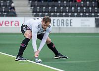 AMSTELVEEN -   Mirco Pruyser (Adam) geeft aan, tijdens de hoofdklasse hockeywedstrijd Amsterdam-HC Rotterdam (7-1).    COPYRIGHT KOEN SUYK