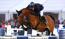 20.09.2014, Magna Racino, Ebreichsdorf, AUT, Vienna Masters 2014, Global Champions Tour Grand Prix, im Bild Markus Saurugg auf Texas I (AUT) // during Vienna Masters 2014 Global Champions Tour Grand Prix at the Magna Racino, Ebreichsdorf, Austria on 2014/09/20. EXPA Pictures © 2014, PhotoCredit: EXPA/ Thomas Haumer