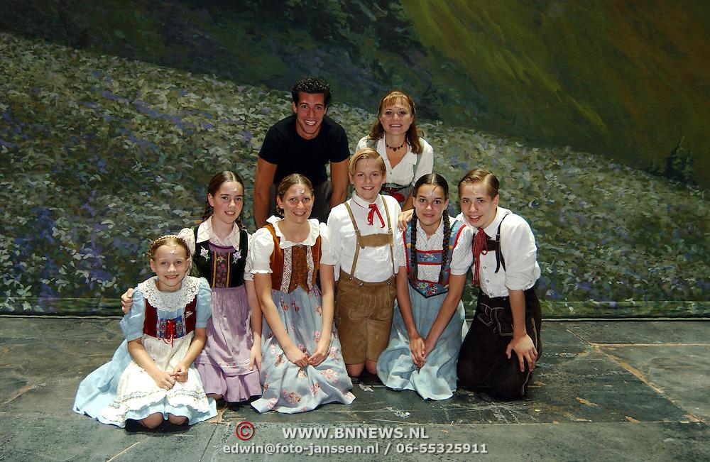Laatste voorstelling Sound of Music voor Celine Puchell, met huwelijksaanzoek Oren Schrijver, kinderen