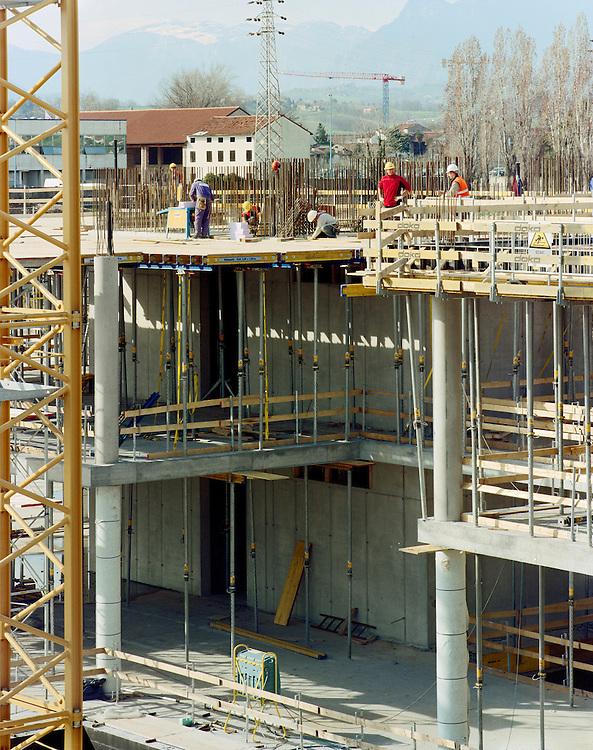 20 MAR 2008 - Breganze (VI) - Cantiere Carron per la nuova sede Diesel :-: Breganze (Italy) - New Diesel Headquarters building site