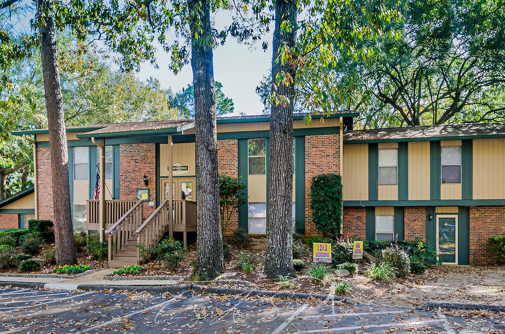 Leasing office at Autumn Woods apartments in Mobile Alabama | Carmen ...