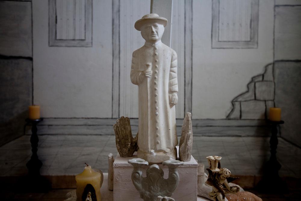 Natal_RN, Brasil...Estatua do Padre Cicero no interior do memorial Camara Cascudo em Natal, Rio Grande do Norte...Padre Cicero Statue in the Camara Cascudo memorial in Natal, Rio Grande do Norte...Foto: LEO DRUMOND / NITRO