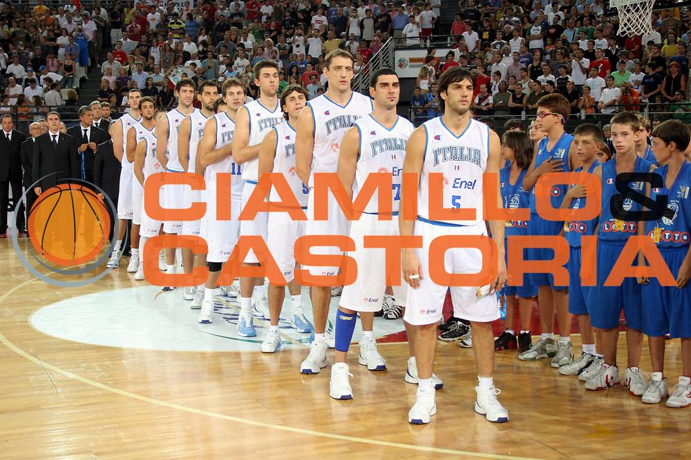 DESCRIZIONE : Roma Amichevole preparazione Eurobasket 2007 Italia Grecia <br />GIOCATORE : Team Nazionale Italiana Uomini<br />SQUADRA : Nazionale Italia Uomini <br />EVENTO : Amichevole preparazione Eurobasket 2007 Italia Grecia <br />GARA : Italia Grecia <br />DATA : 30/08/2007 <br />CATEGORIA : Ritratto<br />SPORT : Pallacanestro <br />AUTORE : Agenzia Ciamillo-Castoria/G.Ciamillo