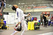 Laura Flessel-Colovic face à Erika Kirpu lors du Tournoi de qualification d'escrime pour les Jeux Olympique de Londres 2012, le 21 avril 2012 à Bratislava.