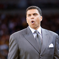 08 april 2008: Reggie Theus, head coach of the Sacramento Kings is seen during the Golden State Warriors 140-132 victory over the Sacramento Kings, at the Oracle Arena, in Oakland, California, USA.