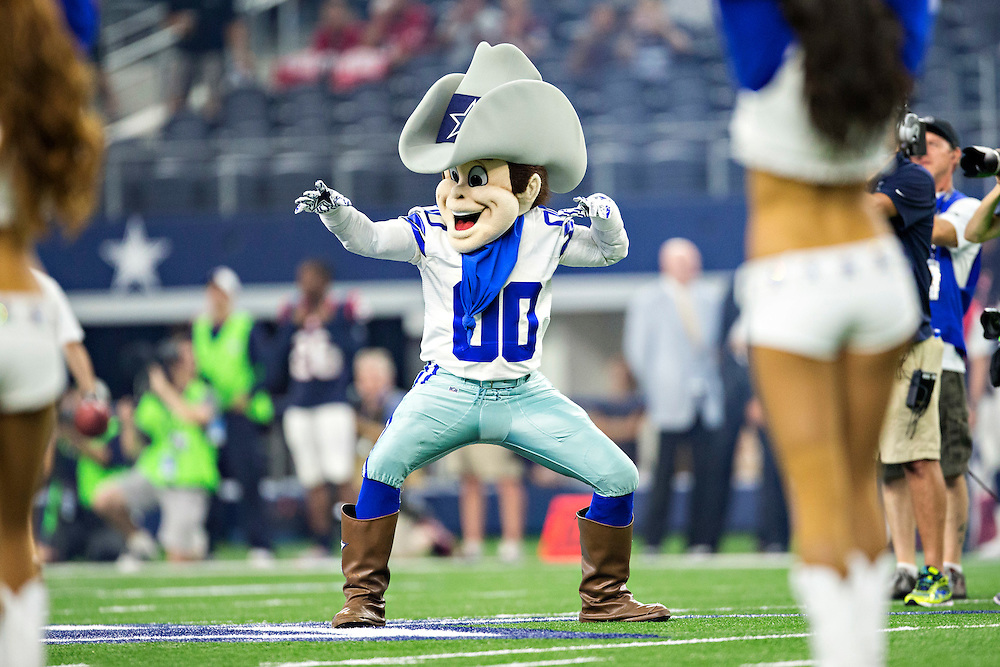 ARLINGTON, TX - SEPTEMBER 3:  Dallas Cowboys mascot Rowdy performs during a preseason game against the Houston Texans at AT&T Stadium on September 3, 2015 in Arlington, Texas.  The Cowboys defeated the Texans 21-14.  (Photo by Wesley Hitt/Getty Images) *** Local Caption ***