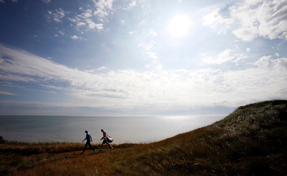 pga15, spt, lynn, 2.-With the sun shinning above Lake Michigan it is a beautiful day for the PGA Championship at Whistling Straits in Haven, WI Saturday August 14, 2010.  Golfers are finishing the second round of action in the morning with the third round expected to follow.  Photo by Tom Lynn/TLYNN@JOURNALSENTINEL.COM