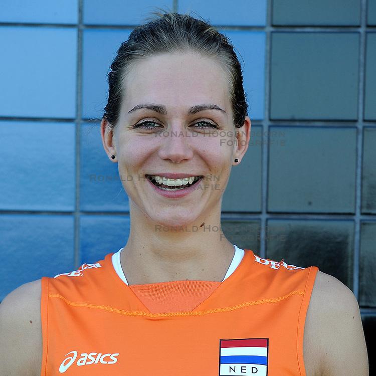 02-06-2010 VOLLEYBAL: NEDERLANDS VROUWEN VOLLEYBAL TEAM: ALMERE<br /> Reportage Nederlands volleybalteam vrouwen / Caroline Wensink<br /> &copy;2010-WWW.FOTOHOOGENDOORN.NL
