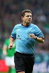 Football: Germany, 1. Bundesliga<br /> Referee Guenter Perl