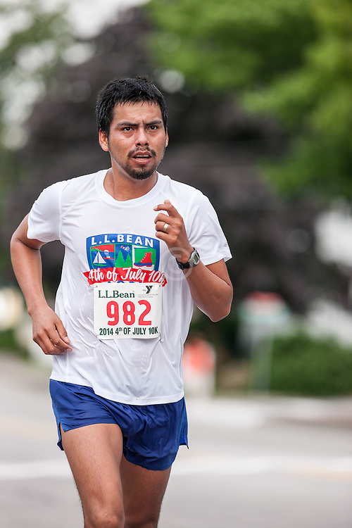 LL Bean Fourth of July 10K road race: Wilmer Mendoza Quispe
