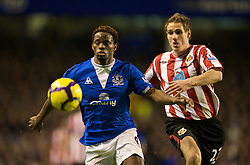 LIVERPOOL, ENGLAND - Wednesday, January 27, 2010: Everton's Louis Saha and Sunderland's Matthew Kilgallon during the Premiership match at Goodison Park. (Photo by: David Rawcliffe/Propaganda)