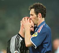 Fotball<br /> EM 2000 - Euro 2000<br /> Foto: Witters/Digitalsport<br /> NORWAY ONLY<br /> <br /> Fabien BARTHEZ - Laurent BLANC<br /> Frankrike v Italia 2:1 n.V.