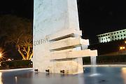 Vista del monumento a Goethals en Balboa. Monumento construido en memoria de George W. Goethals se encuentra al frente de las escaleras del Edificio de Administración del Canal.