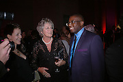 Germaine Greer and David Lammy. Turner Prize 2005. Tate Britain.   5 December  2005. ONE TIME USE ONLY - DO NOT ARCHIVE  © Copyright Photograph by Dafydd Jones 66 Stockwell Park Rd. London SW9 0DA Tel 020 7733 0108 www.dafjones.com