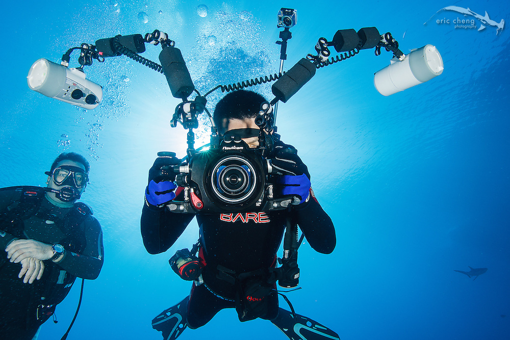 Eric Cheng with Nauticam 7D underwater rig, plus GoPro HERO and Quick Pod extendable monopod. Photo: Don Kehoe