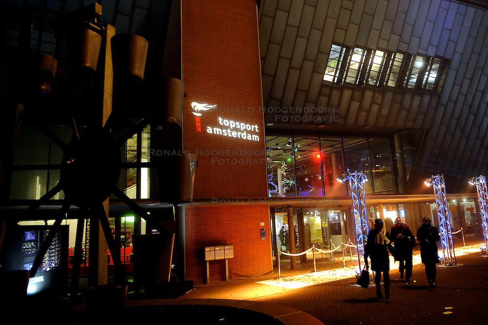 15-12-2008 ALGEMEEN: TOPSPORT GALA: AMSTERDAM<br /> In de educatieve attractie Nemo, waar op speelse wijze kennis gemaakt wordt met een wereld vol wetenschap en technologie werd vanavond de beste sporters van Amsterdam gekozen<br /> ©2008-WWW.FOTOHOOGENDOORN.NL