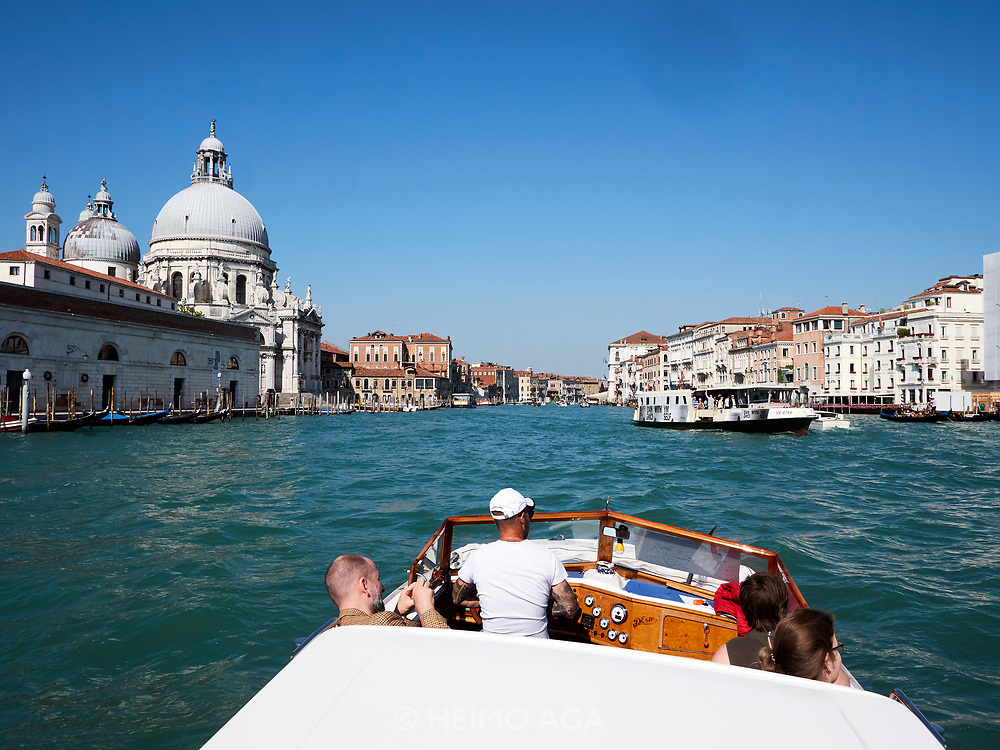 FREESPACE - 16th Venice Architecture Biennale. Berührungspunkte Shuttle.