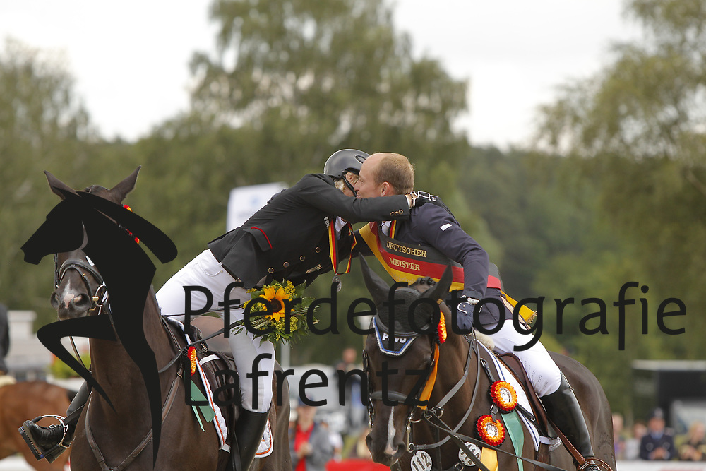 Jung, Michael;<br /> Klimke, Ingrid, Weidezaunsprofi´s River of Joy<br /> Meisterehrung<br /> © www.sportfotos-lafrentz.de/Stefan Lafrentz