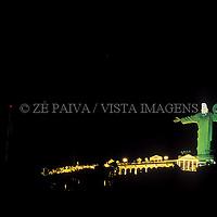 Cristo Luz no Morro da Cruz em Balneario Camboriu, Litoral Norte, Santa Catarina, Brasil, foto de Ze Paiva/Vista Imagens