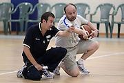 DESCRIZIONE : Roma Centro CONI Giulio Onesti Raduno Collegiale<br /> GIOCATORE : Simone Pianigiani Andrea Capobianco<br /> SQUADRA : Nazionale Italia Uomini<br /> EVENTO : Raduno Collegiale Nazionale Italiana Maschile<br /> GARA : <br /> DATA : 21/07/2010 <br /> CATEGORIA : allenamento<br /> SPORT : Pallacanestro <br /> AUTORE : Agenzia Ciamillo-Castoria/ElioCastoria<br /> Galleria : Fip Nazionali 2010 <br /> Fotonotizia : Roma Centro CONI Giulio Onesti Raduno Collegiale<br /> Predefinita :