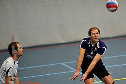18-02-2012 VOLLEYBAL: TAUW GEMINI S - VOCASA: HILVERSUM<br /> B League heren, VoCASA wint vrij eenvoudig in Hilversum 22-25, 20-25, 22-25 / (L-R) Torsten Slot, Gijs van Pruisen<br /> ©2012-FotoHoogendoorn.nl