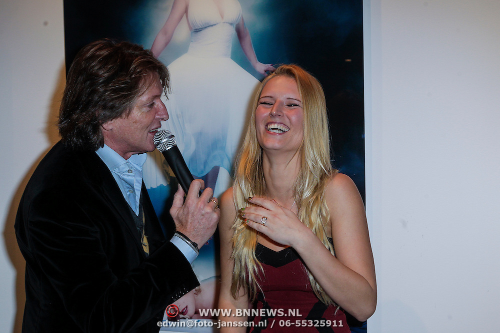 NLD/Amsterdam/20121126- Kika veiling 2012 foto's Veronica gids, Eric de Zwart en Cynthia Cremer