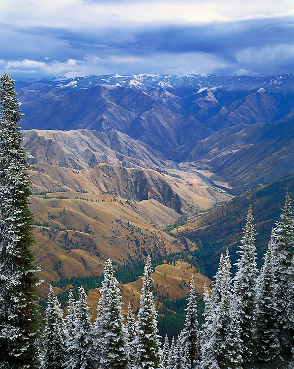 Snake River in Hells Canyon from Hat Point Lookout, Oregon; Hells Canyon National Recreation Area.