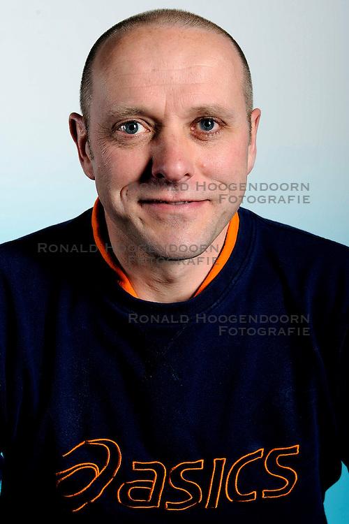 18-03-2009 VOLLEYBAL: SELECTIE JEUGD ORANJE VROUWEN: ARNHEM<br /> EK Team 2008 - 2009 / Patrick Tonnaer<br /> &copy;2009-WWW.FOTOHOOGENDOORN.NL