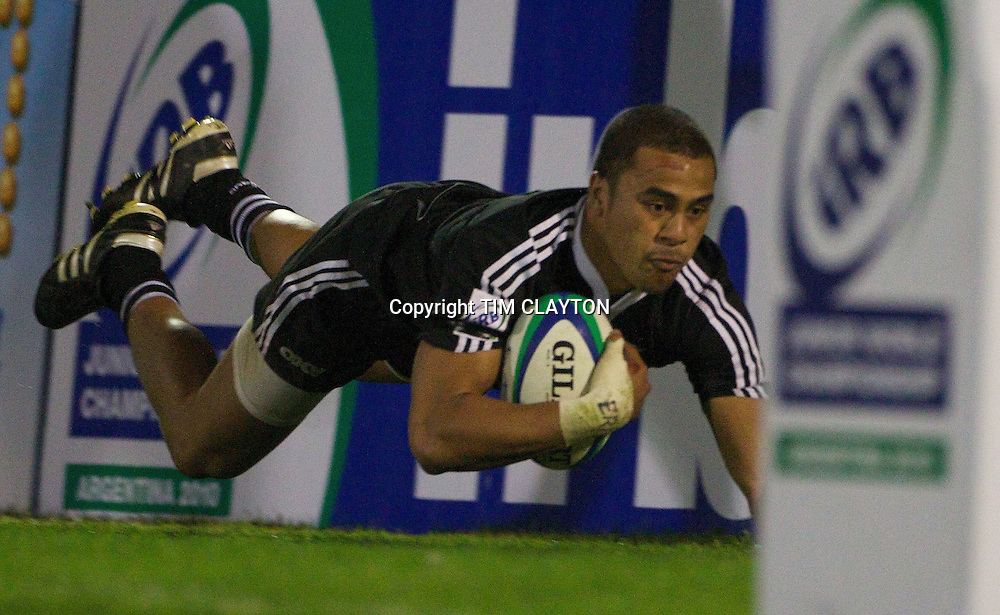 Aidan Toua, New Zealand, scores a try during the Australia V New Zealand Final match at Estadio El Coloso del Parque, Rosario, Argentina, during the IRB Junior World Championships. 21th June 2010. Photo Tim Clayton...
