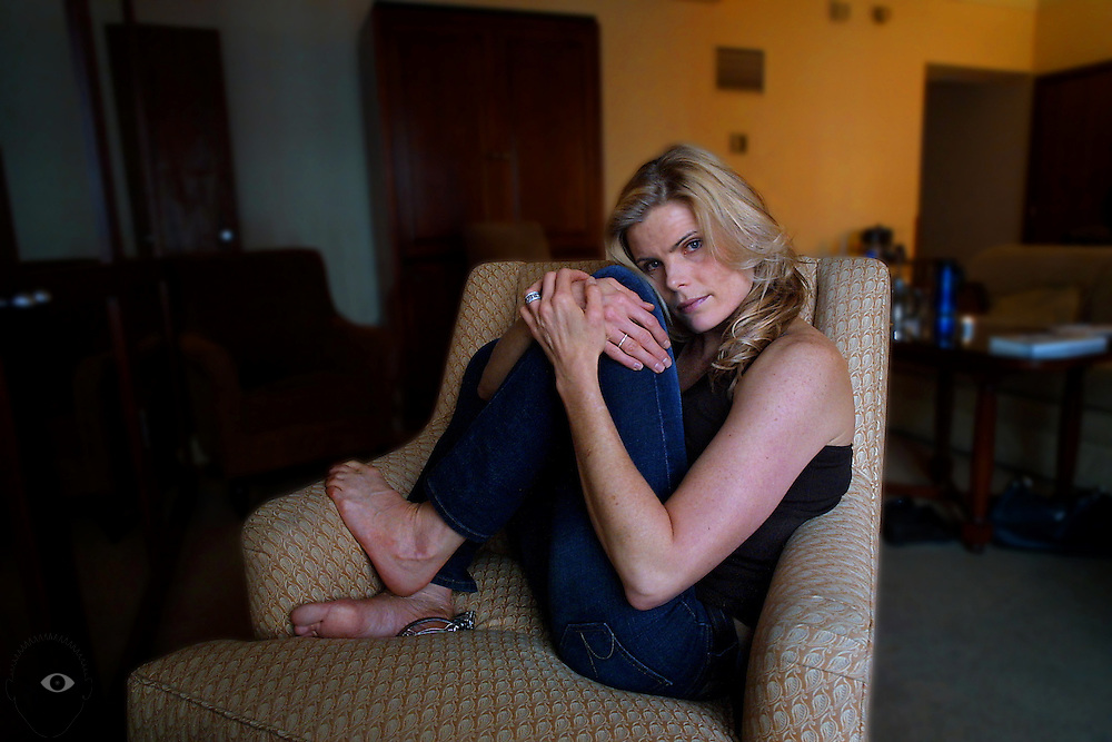 """January 21, 2003 - Mariel Hemingway in town to talk about her new book """"Finding My Balance,"""" taking a quiet moment in her room at the Heathman Hotel."""