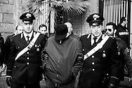 Napoli, Italia - 1 novembre 2009. L'arresto di Pasquale Russo. I carabinieri di Napoli hanno arrestato Pasquale e Carmine Russo, due boss della camorra.<br /> Ph. Roberto Salomone Ag. controluce<br /> ITALY, Naples - Carabinieri arrested Carmine and Pasquale Russo, two boss of mafia organization in Naples on November 1, 2009.