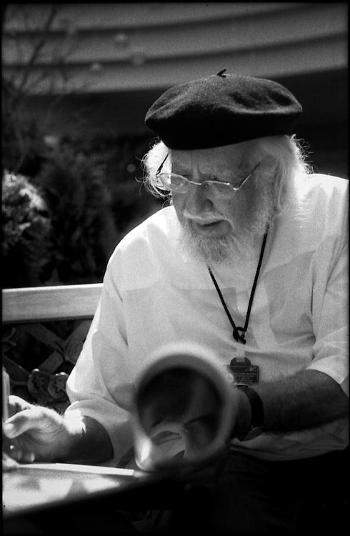 PORTRAITS / RETRATOS<br /> <br /> Ernesto Cardenal<br /> Escultor - Escritor Nicaraguense<br /> Caracas - Venezuela 2004<br /> <br /> (Copyright &copy; Aaron Sosa)