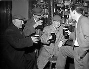 17/03/1961<br /> 03/17/1961<br /> 17 March 1961<br /> St Patrick's Day celebration in a Dublin pub.