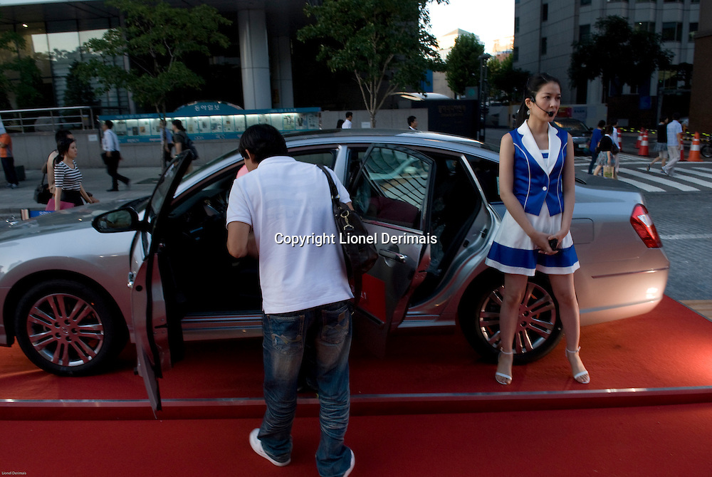 Renault-Samsung show in Central Seoul, South Korea. 2009<br /> <br /> Presentation des derniers modeles Renault-Samsung dans le centre de Seoul, Coree du Sud.