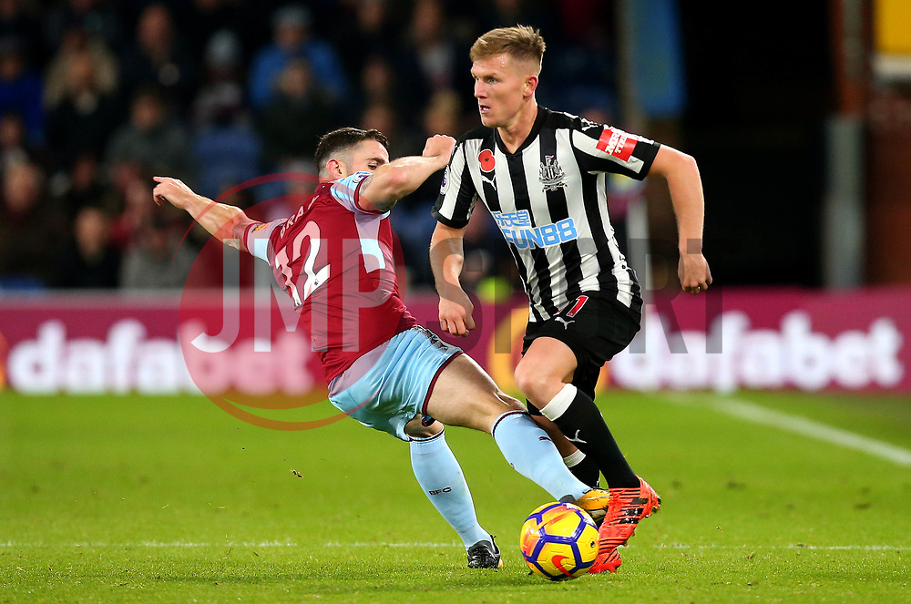 Matt Ritchie of Newcastle United goes past Robbie Brady of Burnley - Mandatory by-line: Robbie Stephenson/JMP - 30/10/2017 - FOOTBALL - Turf Moor - Burnley, England - Burnley v Newcastle United - Premier League