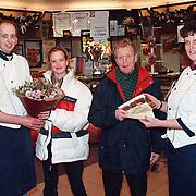 Prijsuitreiking slagerij Koelewijn Huizen dinerbon