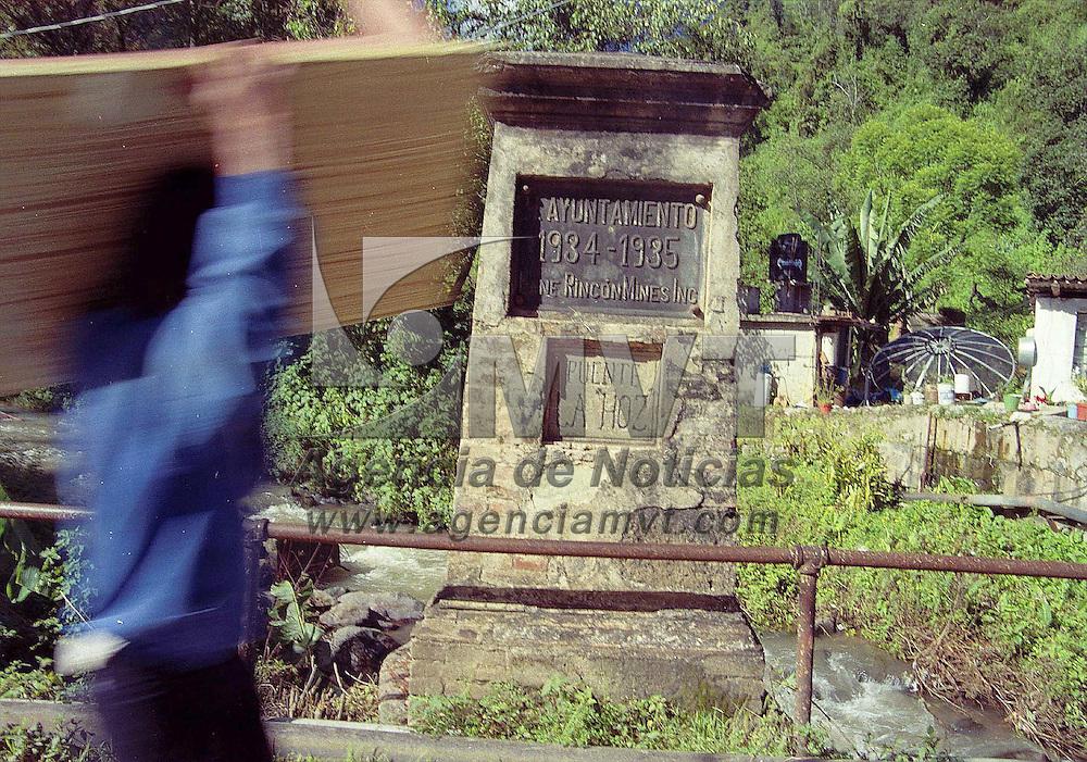 Temascaltepec, Méx.- Repoblando el viejo pueblo minero de Real de Arriba, considerado hasta hace pocos años como una comunidad deshabitada casi en su totalidad después del agotamiento de sus minas de plata. Agencia MVT/ Mario B. Arciniega