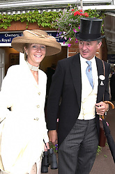 The DUKE & DUCHESS OF ROXBURGHE at Royal<br />  Ascot on 21st June 2000.OFP 9<br /> © Desmond O'Neill Features:- 020 8971 9600<br />    10 Victoria Mews, London.  SW18 3PY <br /> www.donfeatures.com   photos@donfeatures.com<br /> MINIMUM REPRODUCTION FEE AS AGREED.<br /> PHOTOGRAPH BY DOMINIC O'NEILL