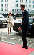 S.A.R. William and Kate Duc and duchess of Cambridge : Lunch at the Provincial Palace during the Commemoration of the 100th anniversary of the First World War, in Li&egrave;ge, Belgium, on August 4, 2014.<br /> <br /> S.A.R. William et Kate  duc et duchesse de Cambridge: Lunch au Palais Provincial lors des comme&acute;morations organise&acute;es par le<br /> Gouvernement fe&acute;de&acute;ral belge a` l&rsquo;occasion<br /> du Centi&egrave;me anniversaire de la<br /> Premie`re Guerre mondiale, &agrave; Li&egrave;ge, Belgique. 4 Ao&ucirc;t 2014.