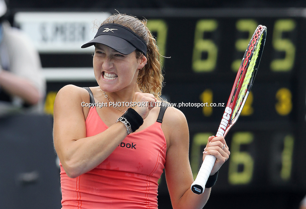 Israel's Shahar Peer celebrates her quarter final win against Maria Kirilenko of Russia at the ASB Classic, ASB Tennis Centre, Auckland, New Zealand. Thursday 7 January, 2010. Photo: Andrew Cornaga/PHOTOSPORT